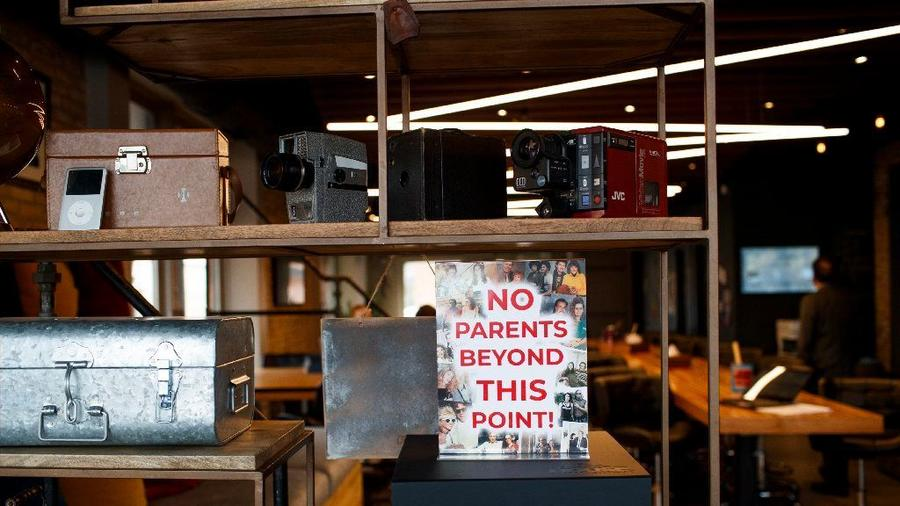 No-Parents-Sign-at-The-House